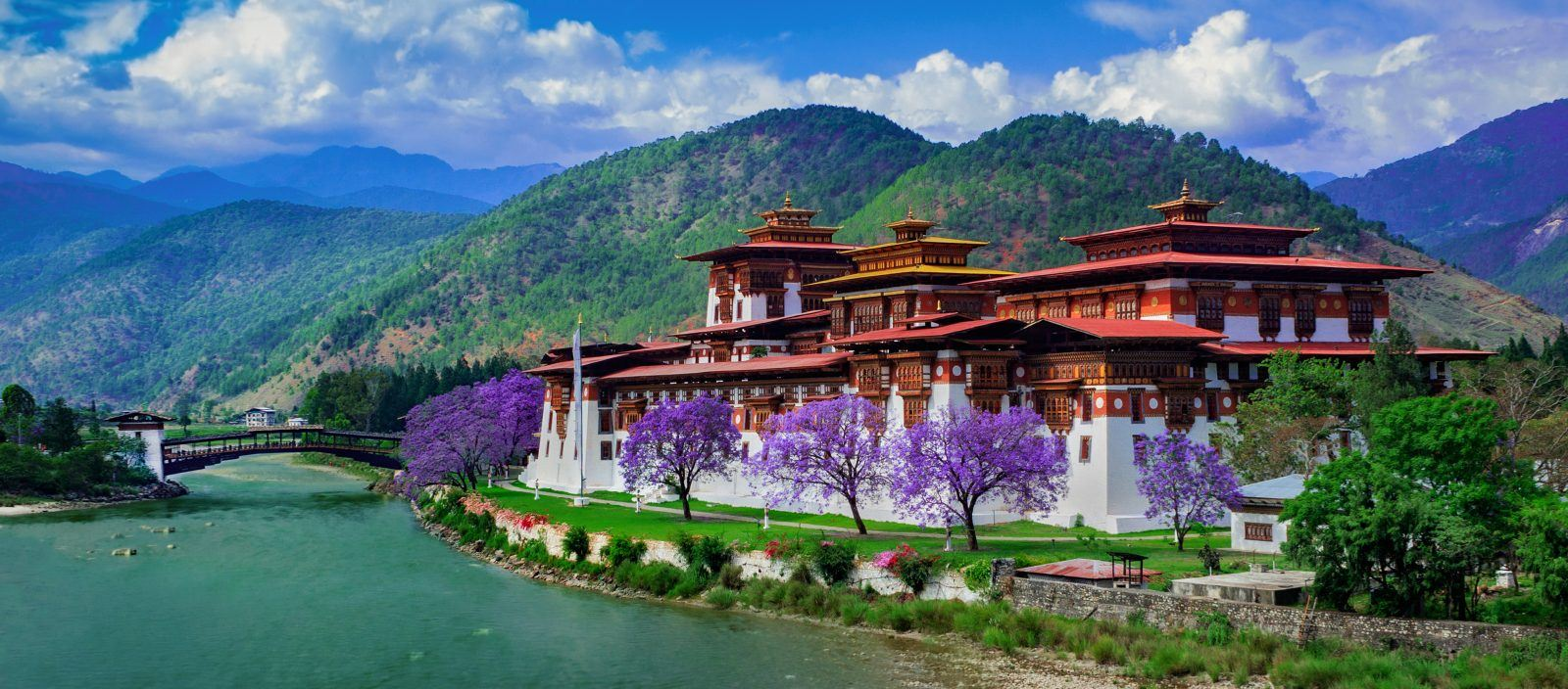 Bhutan: Kingdom in the Clouds